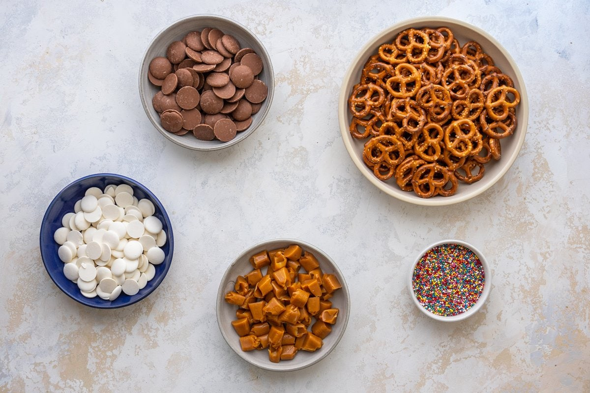 ingredients for chocolate caramel pretzels