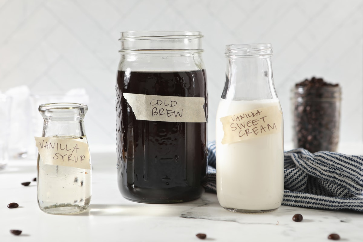 ingredients for starbucks sweet cream cold brew