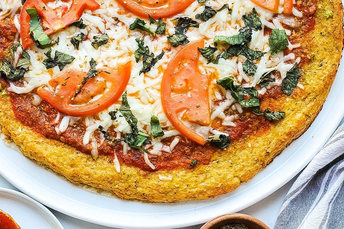 close up edge of pizza crust
